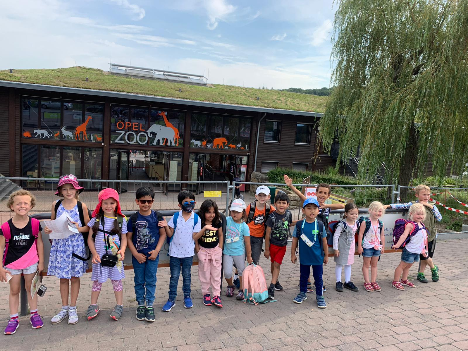 Students of SIS Frankfurt on an excursion to Opel Zoo